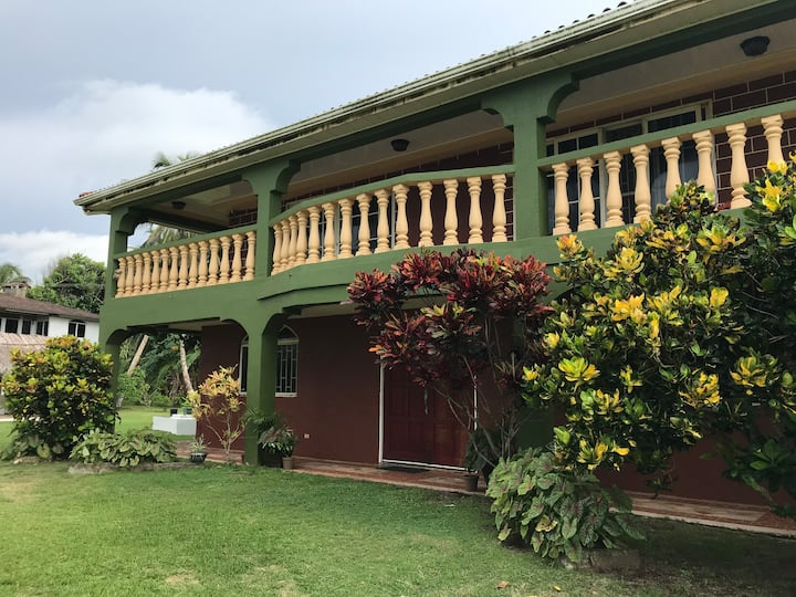 Mansion by the beach in Salud, Colon