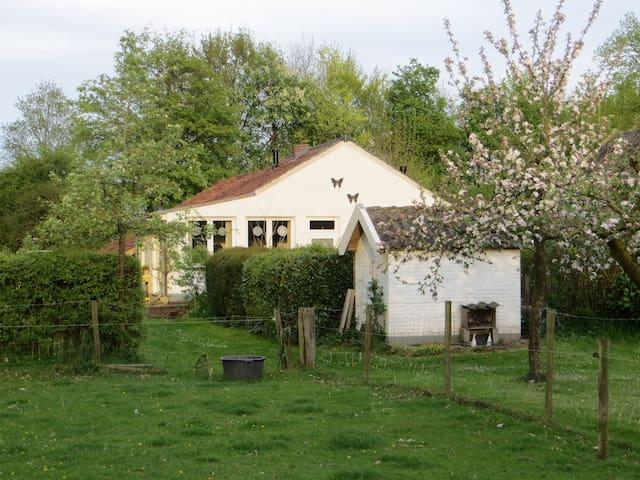 Mooie boerderij cottage; Klein Geer - Heythuysen - Kabin