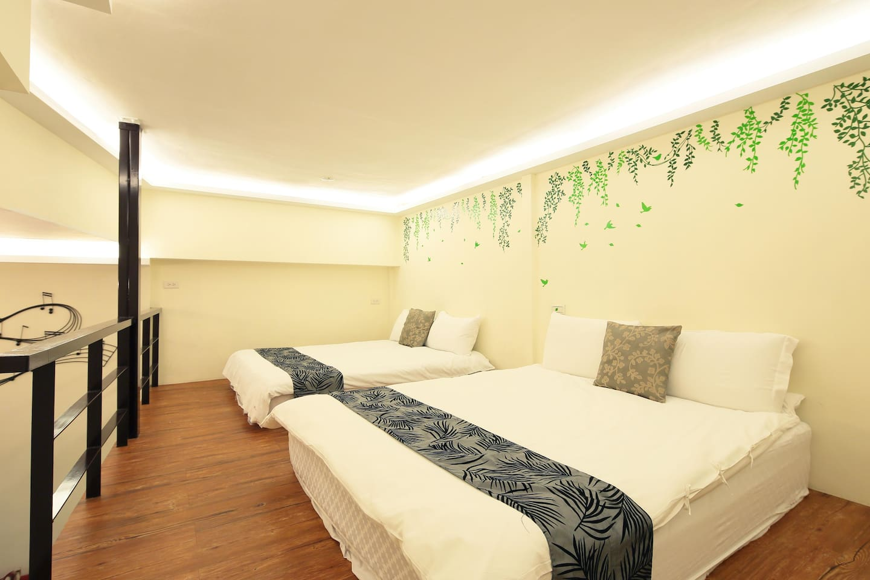 幸福YES民宿B&B  B樓中樓6~8人房房號103(合法住宿編號0235號)