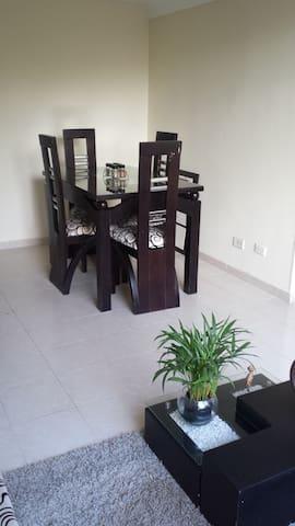 Habitación cama doble, baño y desayuno incluido - Bogota - Apartament