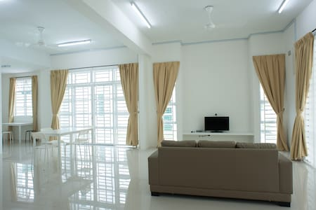 Simple Comfortable Semi-D Homestay2 - Balik Pulau - Haus