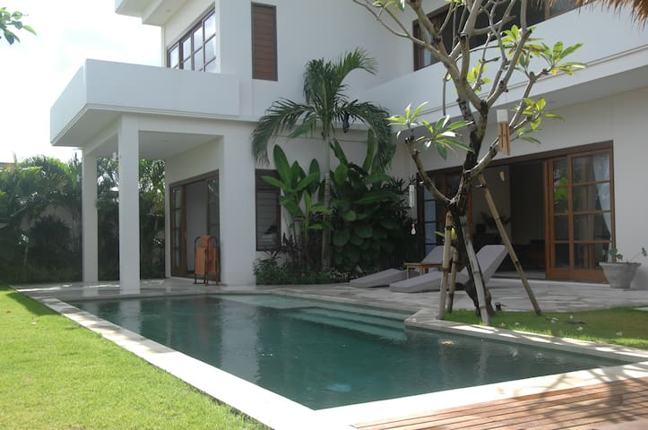 Penthouse @ Sunset Villa Bali - Kuta - Pension