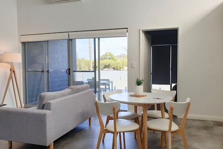 L3: Stunning & Spacious 1 Bedroom Apartment