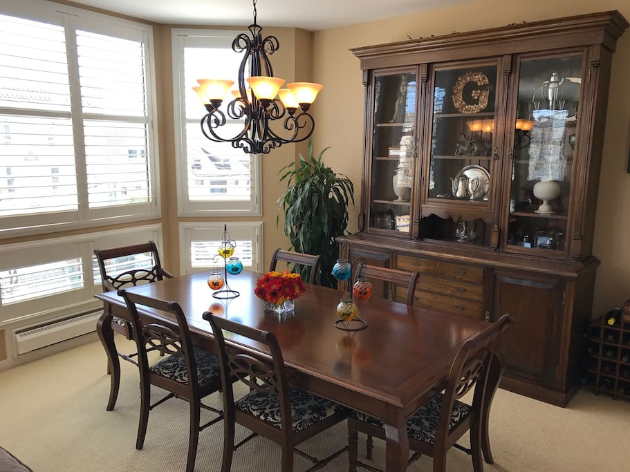 Large Dining Room that can seat 10