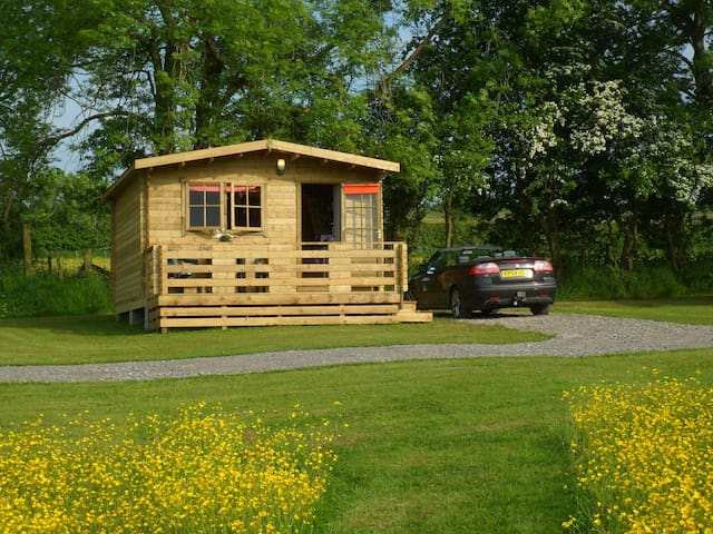 Glamping Cabin 1 ensuit with Hot Tub