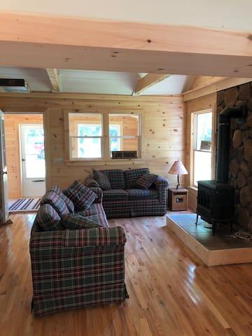 Ivy Cottage of Caroga Lake