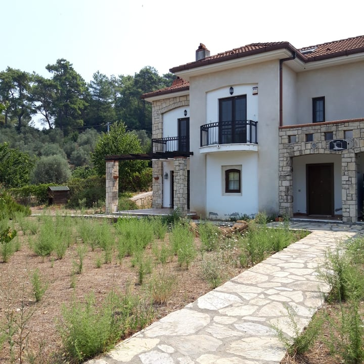 ŞİRİNKÖY PRİVATE VILLA (CLOSE TO KITE BEACH)
