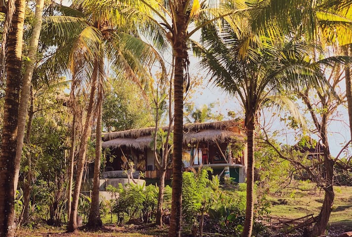 RETRO BALIAN Treehouse private pool-close to beach