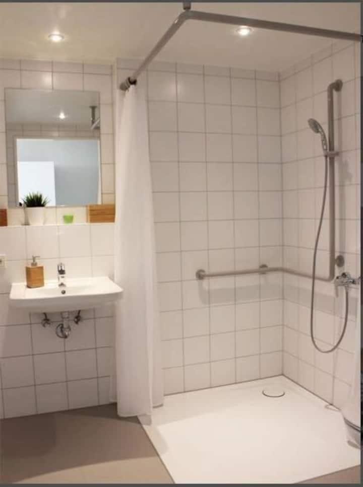 短租公寓,仅限德国留学生。