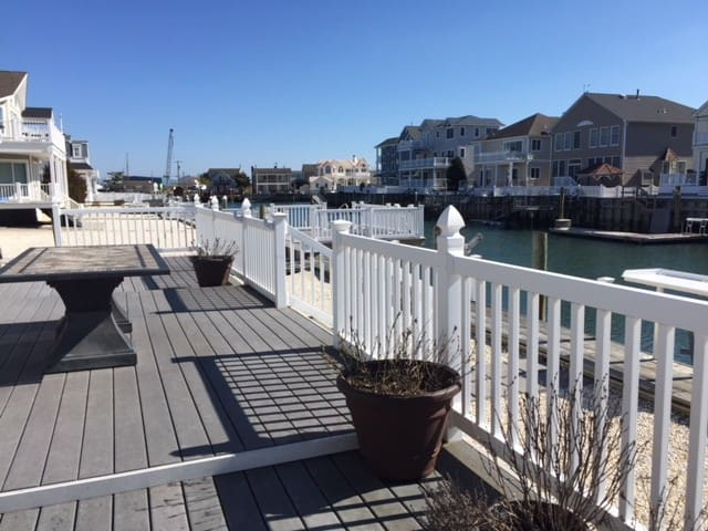 Avalon Manor Single Family on Beautiful Waterfront