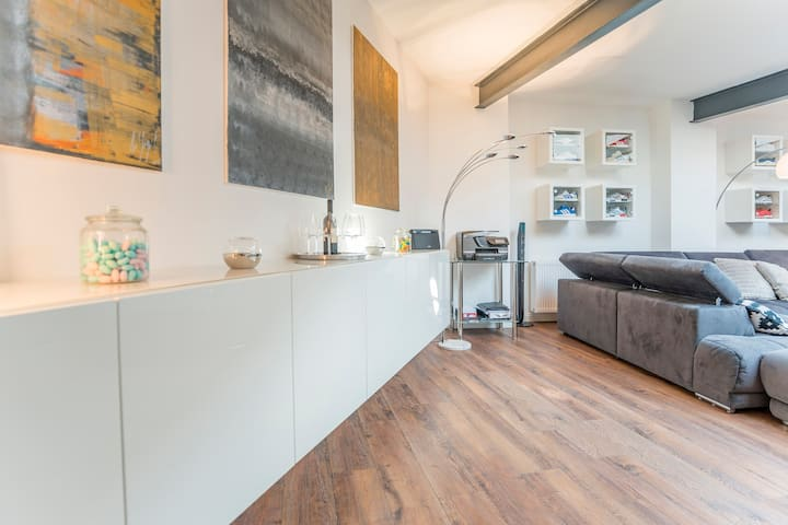 Luxury Loft in Düsseldorf City Centrum 180 qm New!