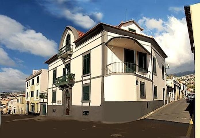 Charming Pensão Mirasol in the heart of Funchal