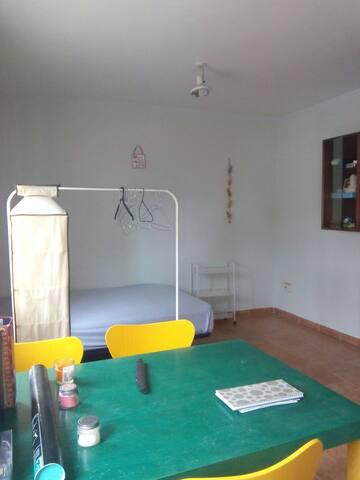 Habitación para 2 en ambiente rural - San Cristóbal de Segovia - อพาร์ทเมนท์