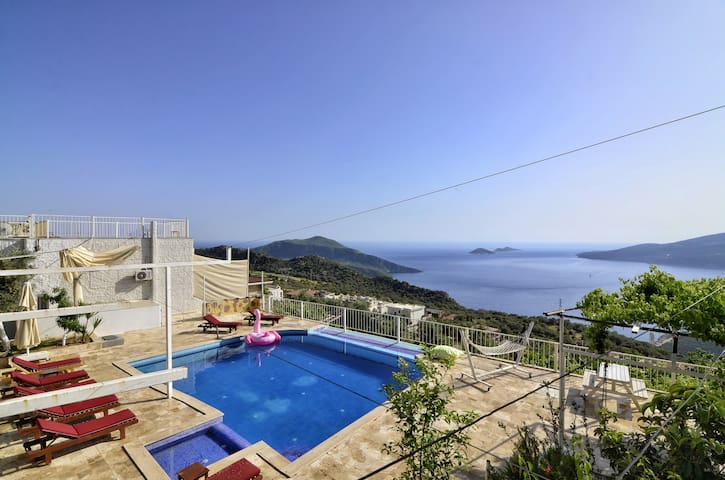 Villa Seboş, Seaview, Unseen Pool and Pool Area