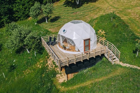 Valea Vinului Dome - a glamping experience