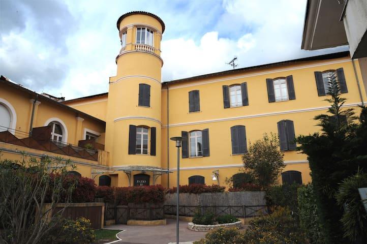 Appartement calme dans le centre ville de Grasse