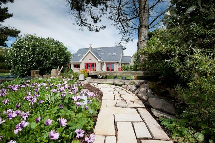 Stylish Home, Lighthouse Peninsula,