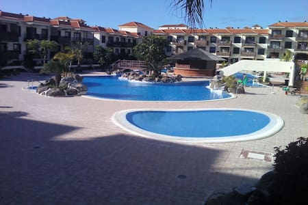Apartment near the ocean with garden and pool - Arona