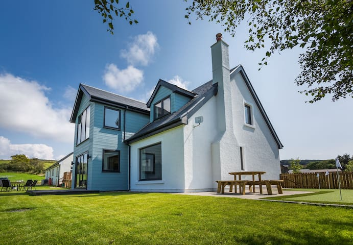 Luxury 4 bedroom House-perfect for families, Arran