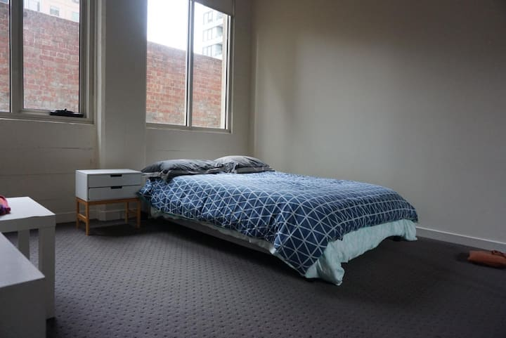 Close to transport/Private room with ensuite