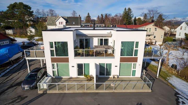 Stor penthouseleilighet på Moa, 12 km fra Ålesund