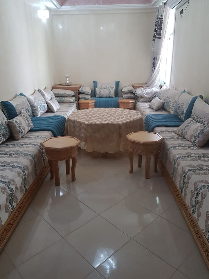 Bel appartement meublé a fes au Maroc Pa