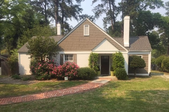 Cozy home located 2 miles from Augusta National