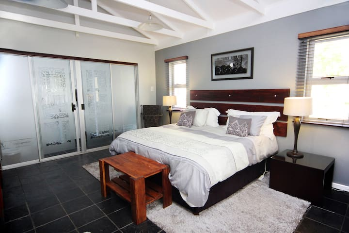 Apartmint 1 - Kingsize bed/Twin Room