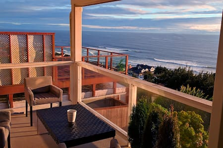 ROADS END LUXURY OCEAN - Lincoln City - Dom