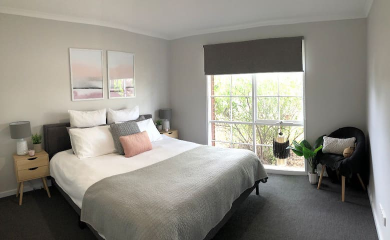 Willow Retreat Gisborne close to airport/sunbury