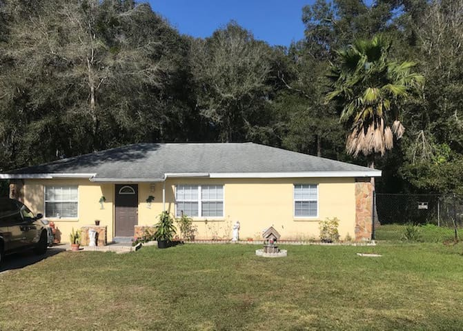 3 BR HOUSE in Brooksville (Central FL) Near I-75