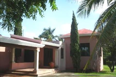 Villa Cholul