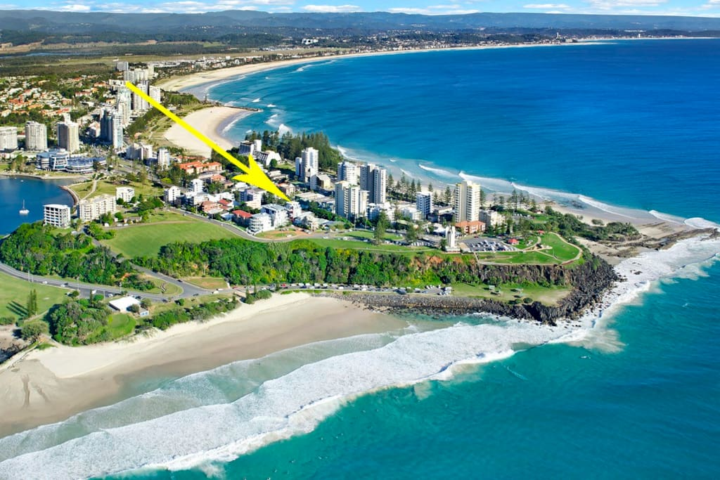 On top of dbar famous surf break and view all the wAy from snapper rocks too tweed river and mountains. Unbelievable sunsets