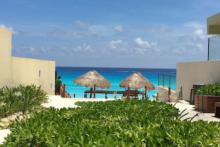 Private Room at PH, few steps from the beach! 2ppl - Cancún - Departamento