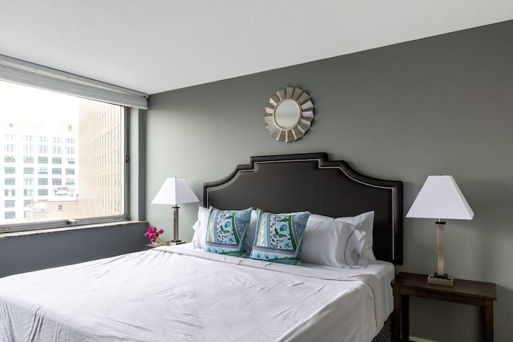 Beautiful One Bed on 12th Street