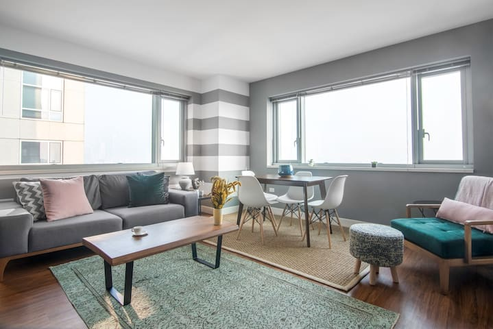 1BR, SoMa, w/ Gym, Doorman, close to Civic Center by Blueground