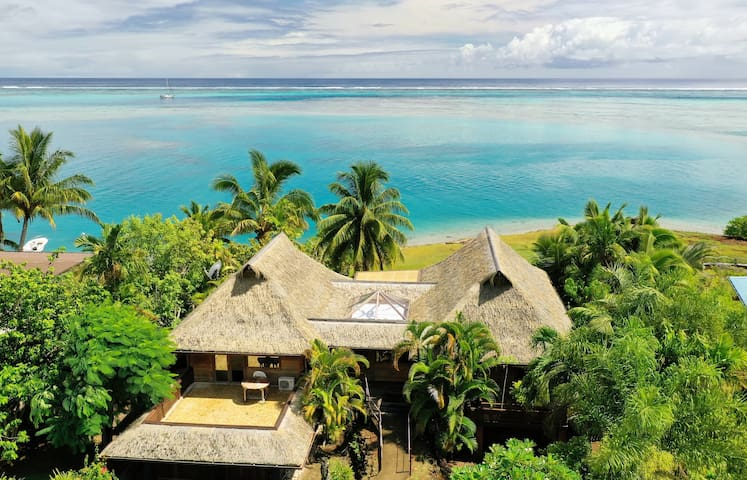 Blue Lagoon Moorea | 3 beds Beachfront Villa with a plunge pool.
