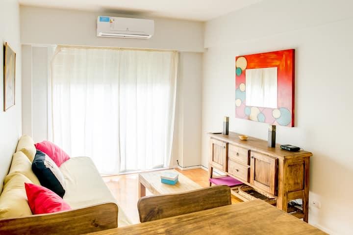 Bright apartment in Montserrat