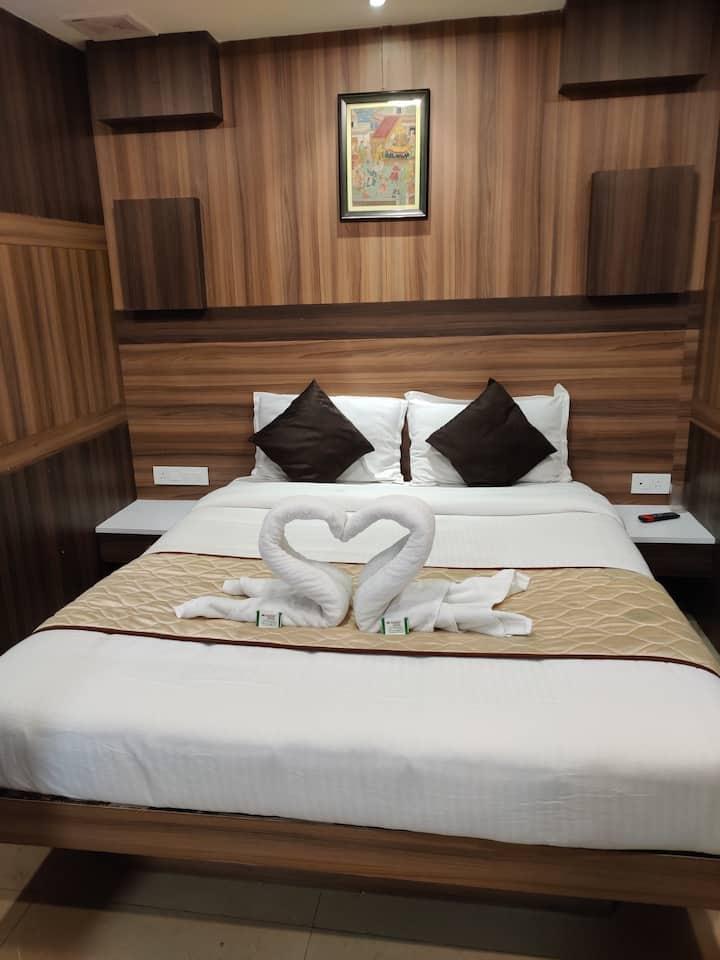 Hotel Adarsh International