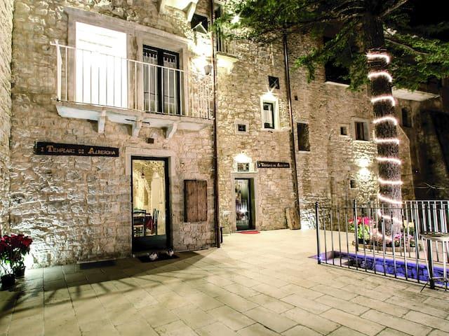Stanza privata in residenza d'epoca - Feudo