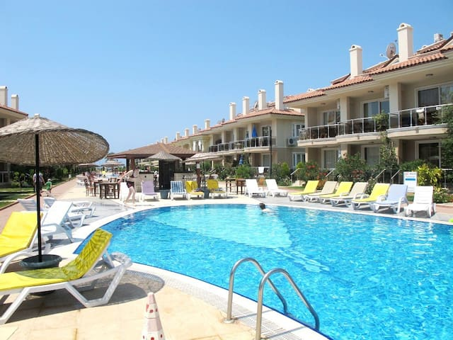 Luxury 3 Bedroom Apartment in a Beachfront Complex - Fethiye - Daire