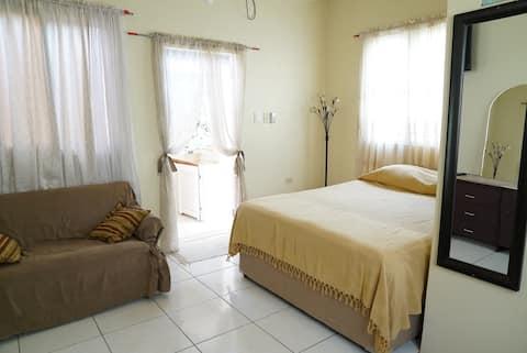 Single Queen Bedroom #4
