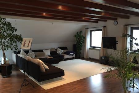 Gemütliche Maisonette-Wohnung - Apartamento