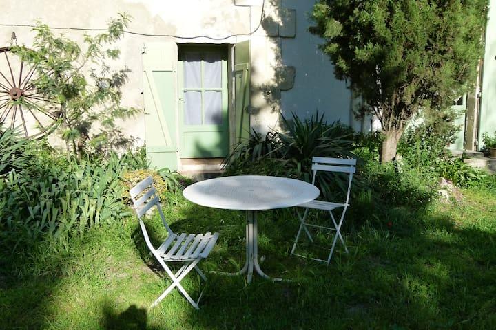 Chambre petite en Camargue Mas proche Beauduc - Salin-de-Giraud  - Appartement