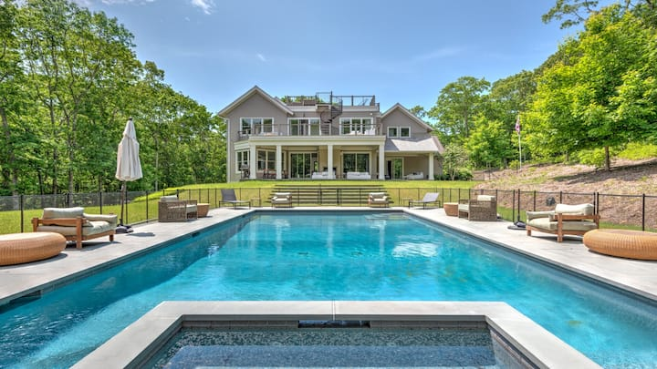 New Listing: Close to Ocean, Bay Beaches, and Amagansett Village, new modern construction