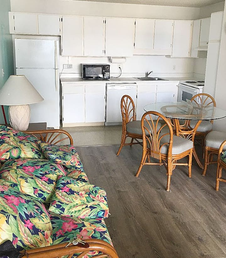 Royal Kuhio 18F(1month~) Good access with parking