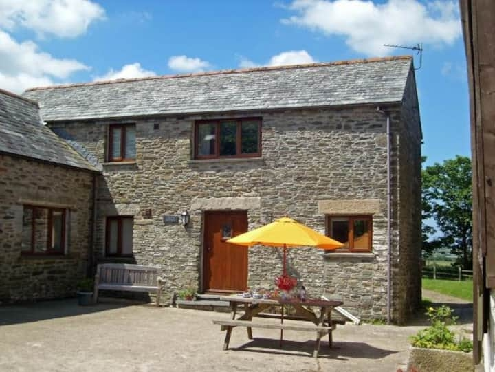 Grandma's Cottage, Fentrigan Manor Farm