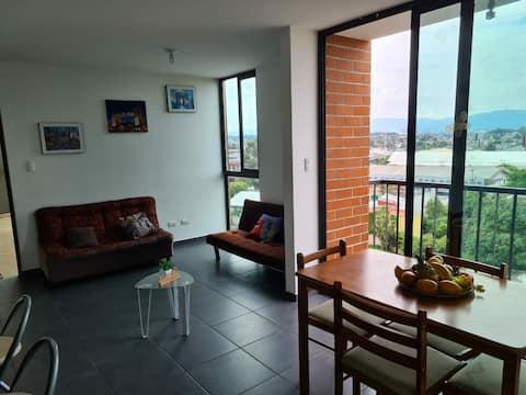 Mundo y maletas. hermoso y familiar apartamento ubicado en zona centrica de ciudad de Guatemala
