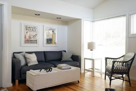 Private Studio Apartment - Amherst - Huoneisto