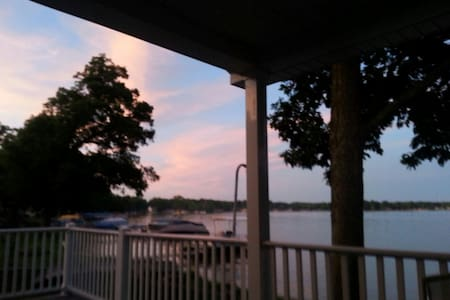 Beautiful Koontz Lake Home - Walkerton - Talo